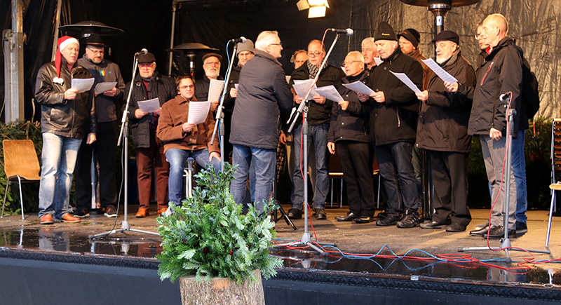 Auftritt Männerchor Sinzheimer Weihnachtsmarkt 2018